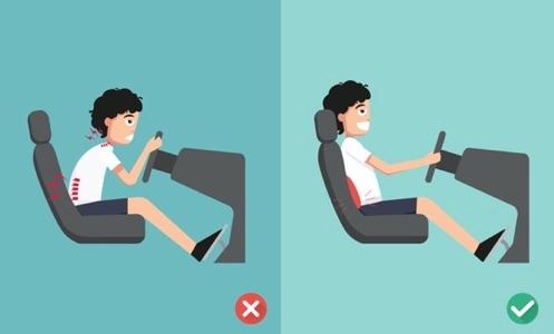 Adopter une bonne position grace au coussin lombaire pour auto